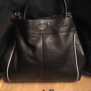 Coach Lexy Black Pebbled leather contrast trim EUC